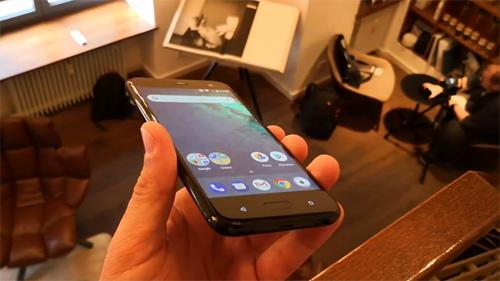 """Lộ ảnh thực tế của """"bộ đôi quyền lực"""" HTC U11 Plus và U11 Life - 3"""