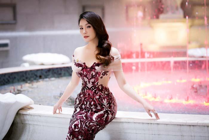 """Nhà đẹp của sao: Ngất ngây biệt thự """"hoàng gia"""" của Hồ Quỳnh Hương - 11"""