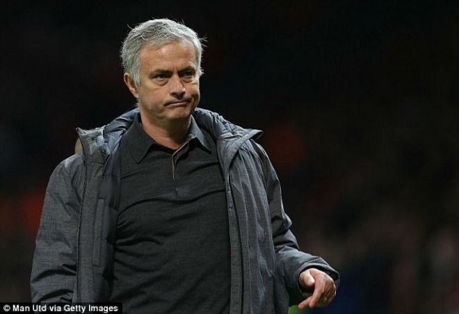 """MU """"vất vả"""" Benfica: Mourinho lộ lý do """"cướp"""" phạt đền của Lukaku - 1"""