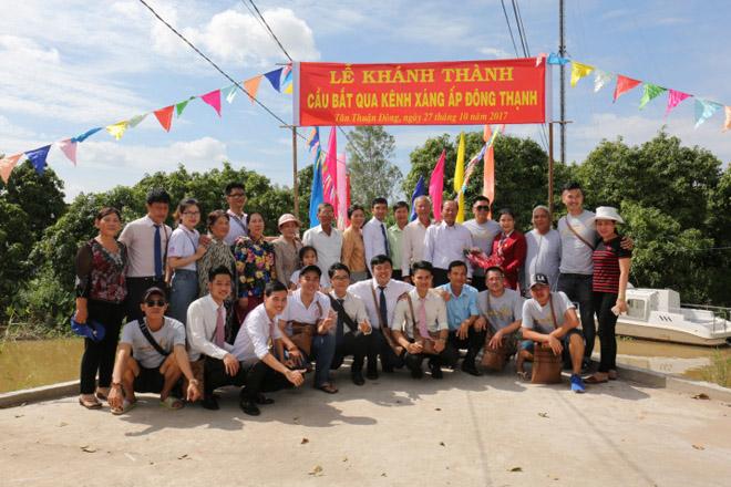 Việt Hưng Phát cùng Áo dài ABC trao 1400 phần quà cho người dân tỉnh miền Tây - 1