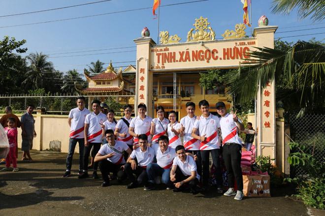 Việt Hưng Phát cùng Áo dài ABC trao 1400 phần quà cho người dân tỉnh miền Tây - 2