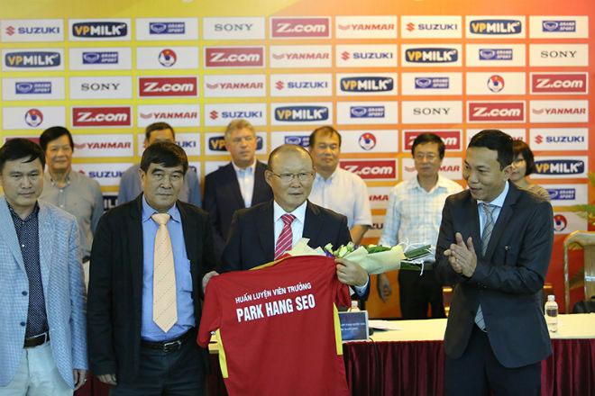 "HLV Park Hang Seo chấm ""Ronaldo Việt"" & sao HAGL đấu Afghanistan - 2"