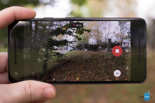 Google Pixel 2 XL gặp lỗi về âm thanh khi quay video - 1