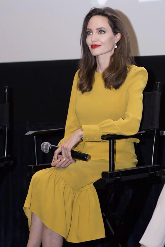 Em gái tỉ phú của Cẩm Ly gặp riêng Angelina Jolie tại LHP Mỹ - 2