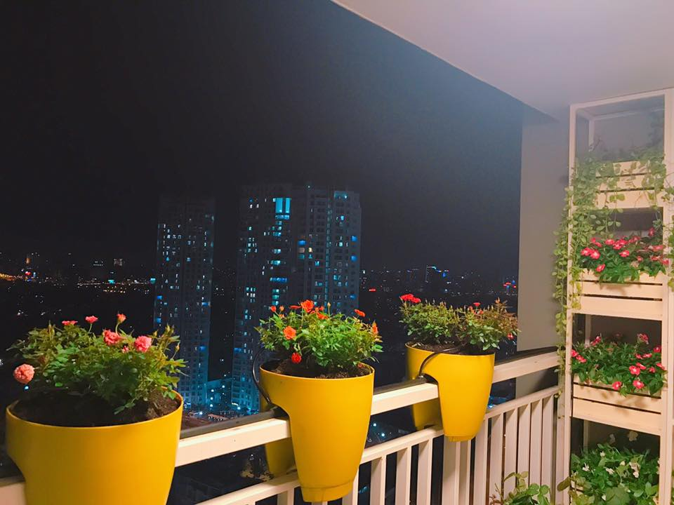 """Nhà đẹp của sao: """"Căn nhà hoa hồng"""" mê hoặc của Hoa hậu Phạm Hương - 10"""