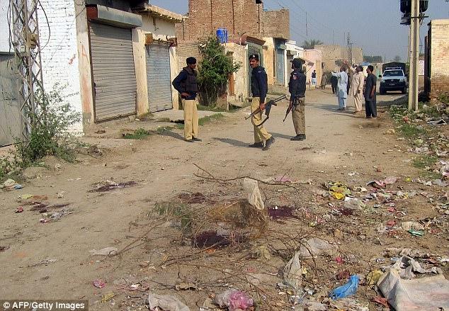 Em gái bị ép đi bộ khỏa thân ở Pakistan vì anh trai ngoại tình - 1