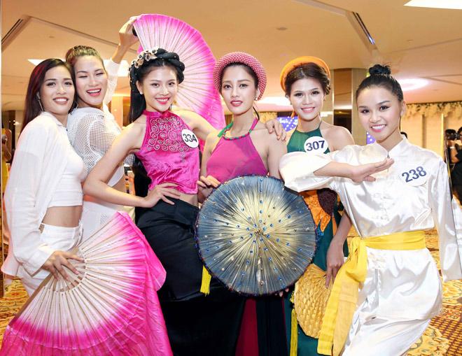 Màn múa đầy mê hoặc tại Hoa hậu Hoàn vũ Việt Nam - 3