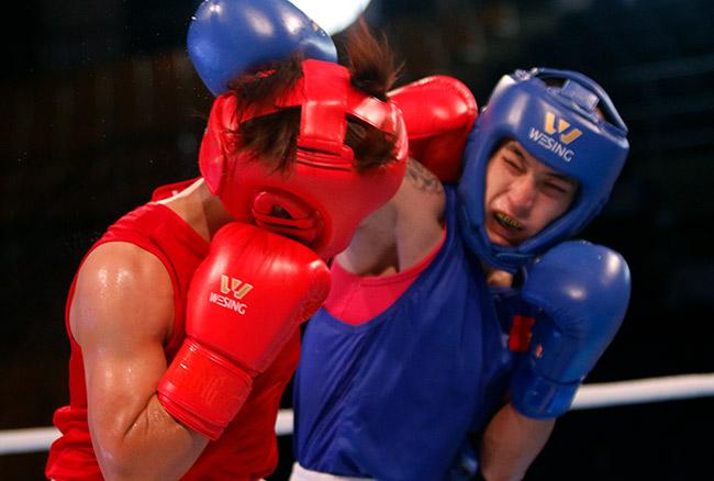 """2 người đẹp boxing Việt Nam """"vùi dập"""" cao thủ, đại thắng ở giải châu Á - 5"""