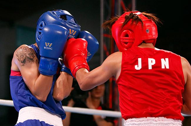 """2 người đẹp boxing Việt Nam """"vùi dập"""" cao thủ, đại thắng ở giải châu Á - 3"""