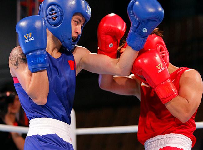 """2 người đẹp boxing Việt Nam """"vùi dập"""" cao thủ, đại thắng ở giải châu Á - 7"""