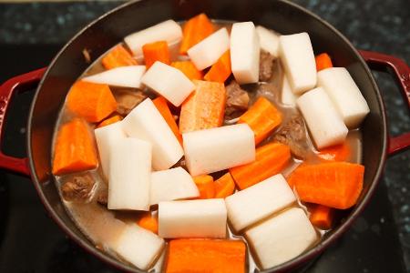 Cách chế biến món sườn bò kho thơm nức mũi - 4