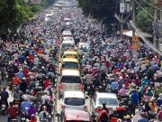 Ô tô hay xe máy đang gây kẹt xe ở TP.HCM và Hà Nội?