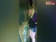 Phi thường - kỳ quặc - Phản ứng bất ngờ của hổ khi thấy cô gái mang thai