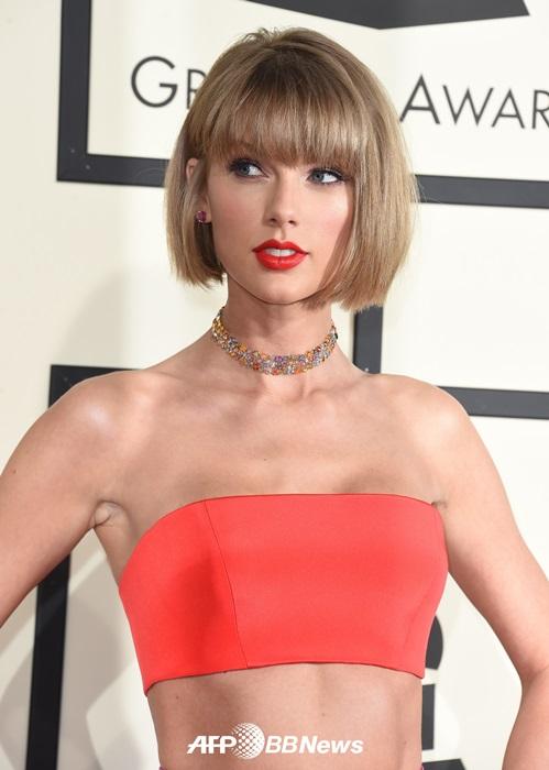 """Sau nghi án nâng cấp vòng 1, Taylor Swift hot như """"bom sex"""" - 5"""