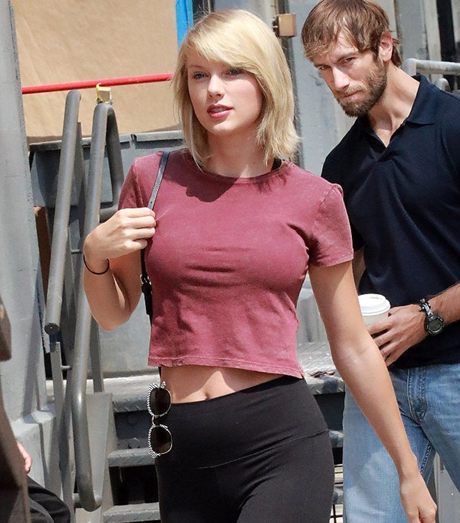 """Sau nghi án nâng cấp vòng 1, Taylor Swift hot như """"bom sex"""" - 12"""