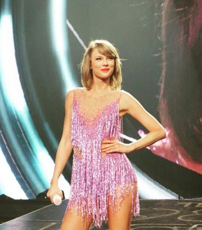 """Sau nghi án nâng cấp vòng 1, Taylor Swift hot như """"bom sex"""" - 15"""