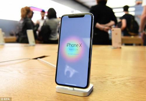 Lộ diện chủ nhân mua iPhone X đầu tiên có giá 41,5 triệu đồng - 5
