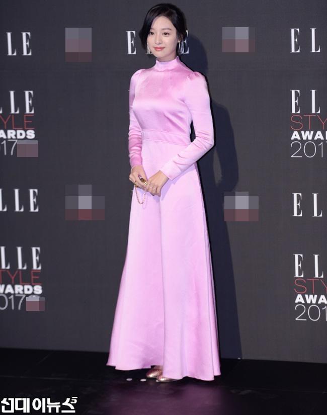 """""""Hôn thê của Lee Min Ho"""" bị chê tơi tả trên thảm đỏ - 3"""