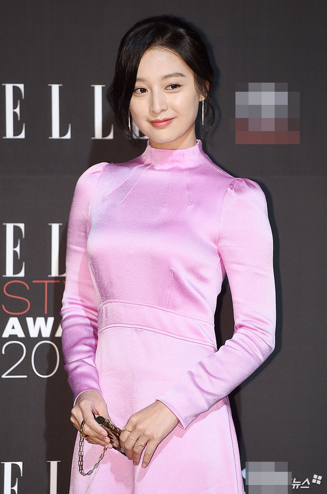 """""""Hôn thê của Lee Min Ho"""" bị chê tơi tả trên thảm đỏ - 1"""