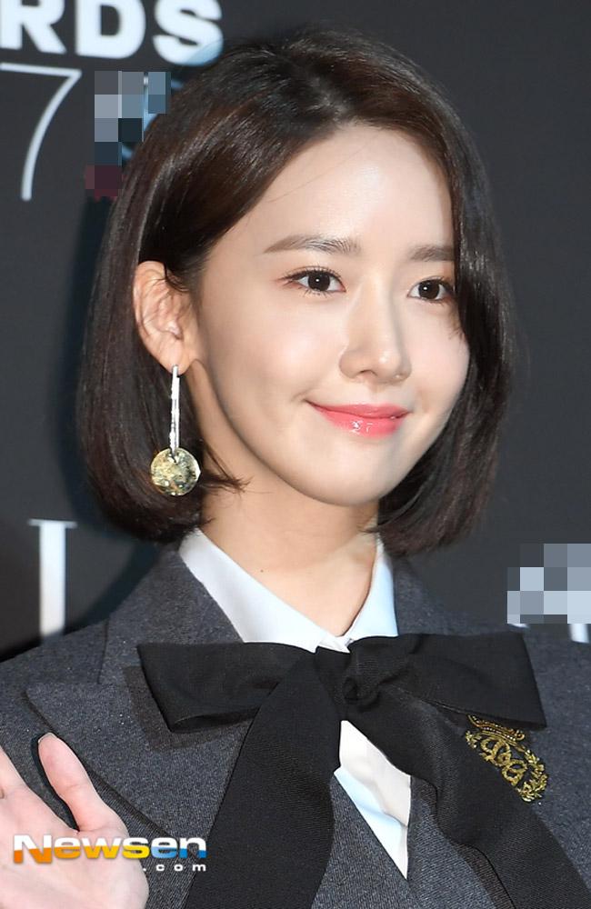 """""""Hôn thê của Lee Min Ho"""" bị chê tơi tả trên thảm đỏ - 5"""