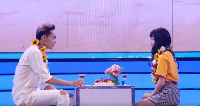 """""""Bạn gái Sơn Tùng"""" khó xử vì phải từ chối lời tỏ tình trên truyền hình - 6"""