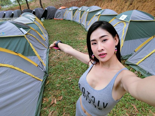 Muôn kiểu áo khoe vòng 1 của DJ Việt, ai đẹp hơn ai? - 4