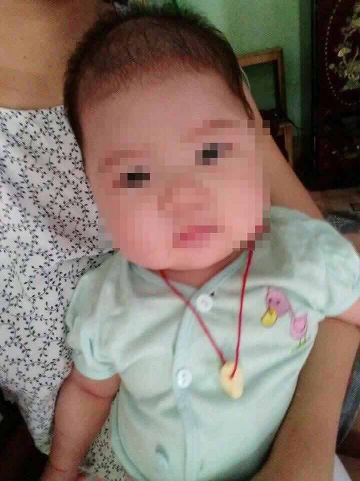 Bé gái 5 tháng tuổi tử vong bất thường, gia đình tố bác sĩ tắc trách - 1