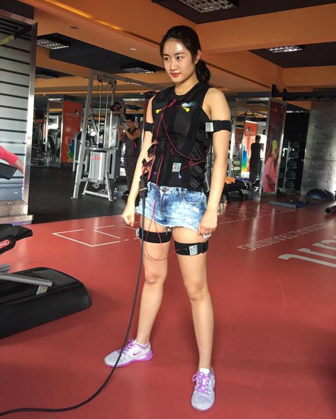 Hoa hậu Thu Ngân giảm 12kg sau 2 tháng sinh con cho đại gia - 4