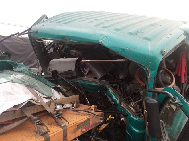 """Va chạm khủng khiếp tại dốc cầu """"chết chóc"""", tài xế khóc gào cầu cứu - 2"""
