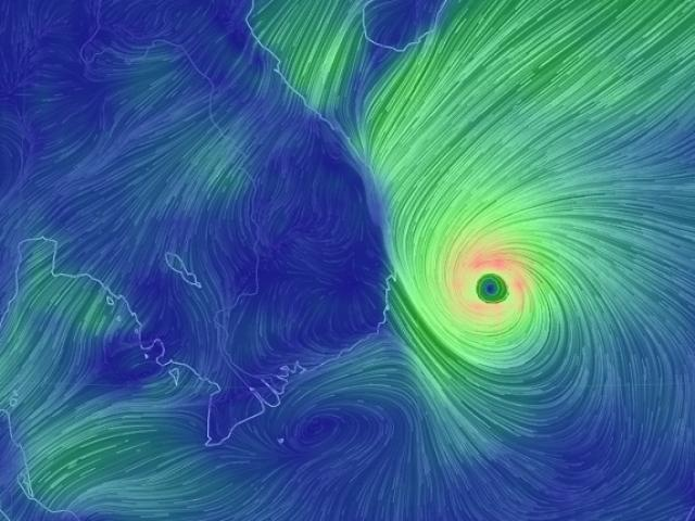 Video: Sự khủng khiếp của bão số 12 khi đổ bộ vào Khánh Hòa - 1