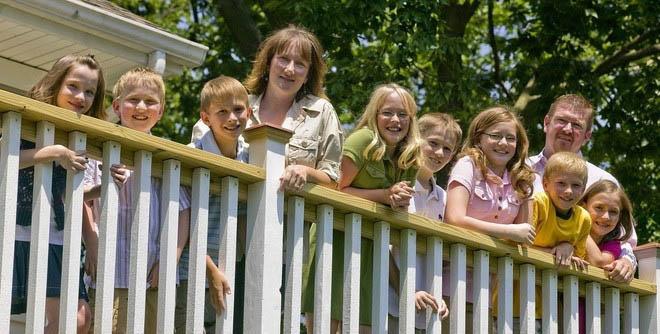 Người mẹ Mỹ dũng cảm sinh cùng lúc 7 đứa con và kết quả sau 20 năm - 5