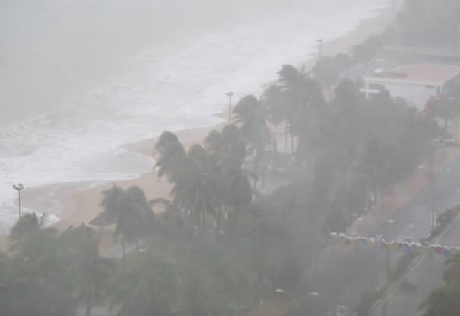 Tàn phá Nam Trung Bộ, bão tiếp tục gây thiệt hại ở Tây Nguyên - 13