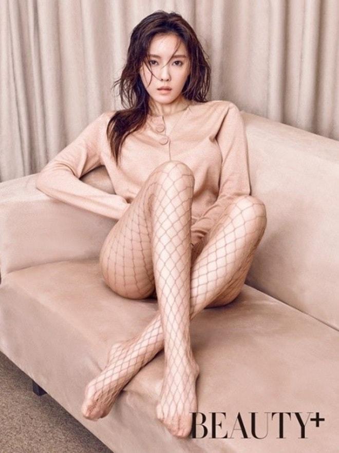 """Sau vẻ nóng bỏng của """"mỹ nhân ngực đẹp"""" sắp hội ngộ khán giả Việt Nam - 2"""