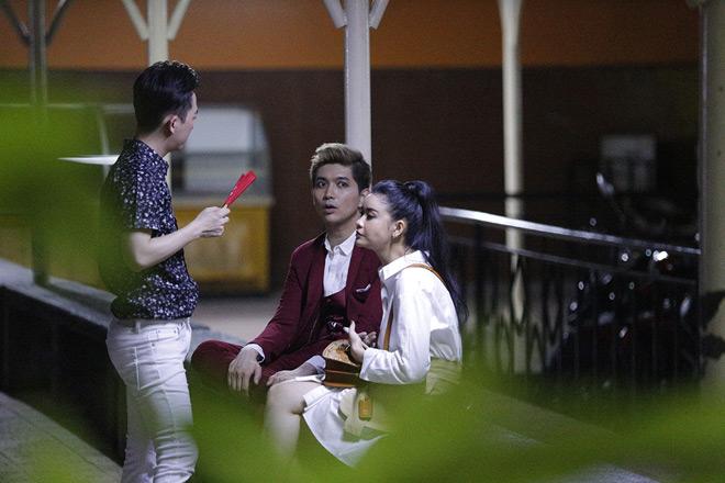 Trương Quỳnh Anh bị hỏi khó việc Tim ôm ấp gái lạ - 1