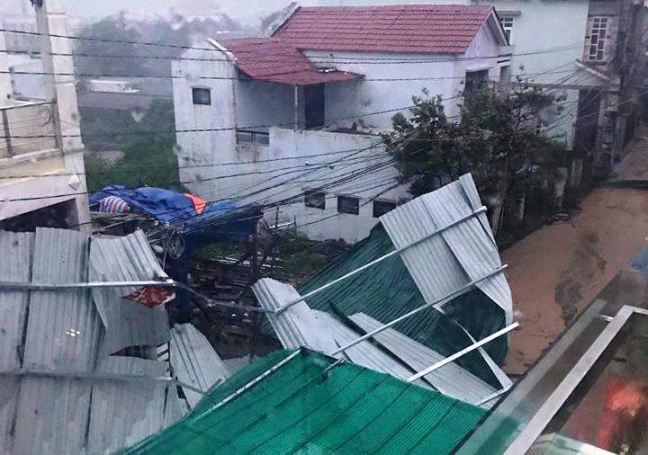 Chùm ảnh sức tàn phá khủng khiếp của bão số 12 - 17