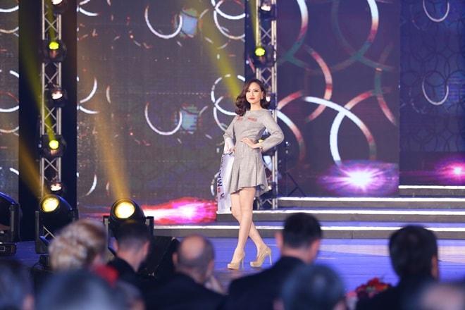 Học trò Phạm Hương trở thành Hoa hậu Toàn cầu 2017 như thế nào? - 4
