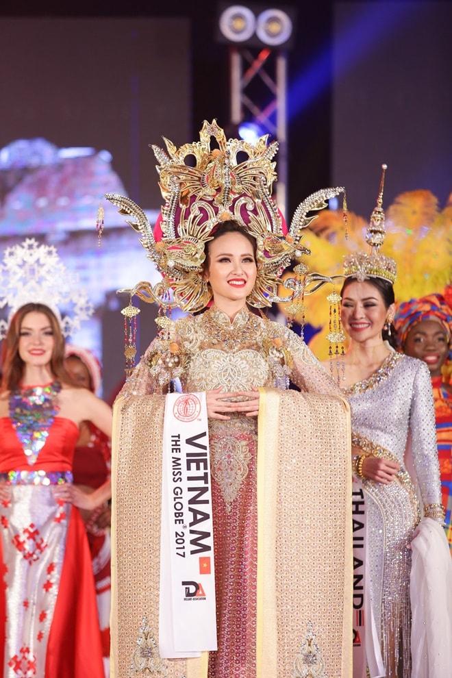 Học trò Phạm Hương trở thành Hoa hậu Toàn cầu 2017 như thế nào? - 7