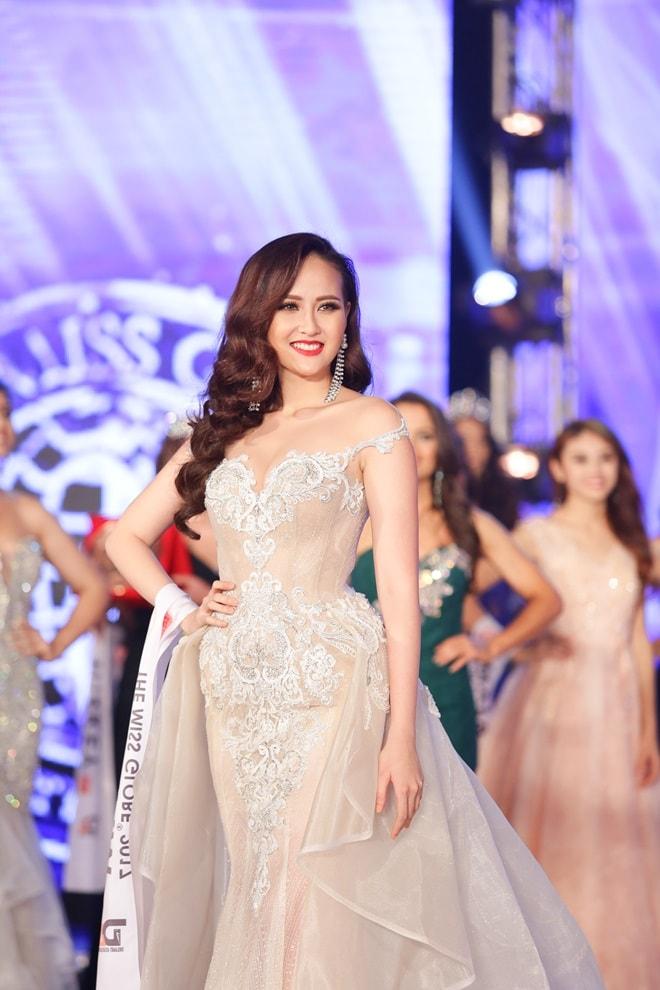 Học trò Phạm Hương trở thành Hoa hậu Toàn cầu 2017 như thế nào? - 8