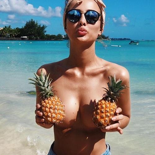 Dứa và bikini - trào lưu chụp ảnh thời trang hot nhất năm qua - 5