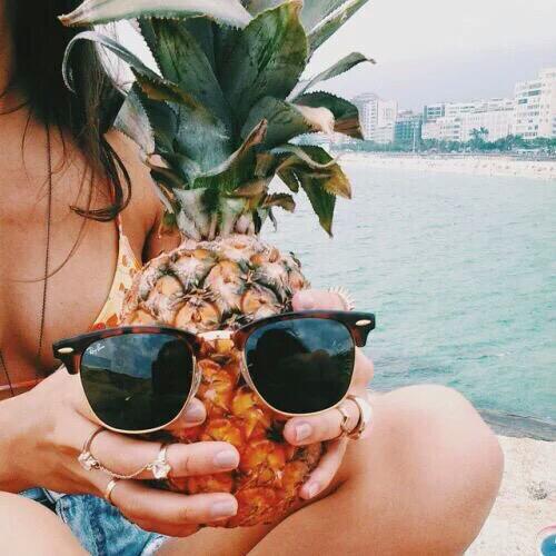 Dứa và bikini - trào lưu chụp ảnh thời trang hot nhất năm qua - 11