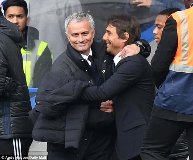 """MU đấu Chelsea: """"Kẻ phản bội"""" Mourinho quyết đá bay ghế Conte - 2"""