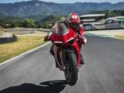 """Mô tô """"thế kỷ"""" Panigale V4 của Ducati chính thức lộ diện"""