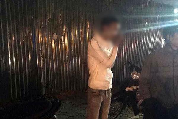 Nam thanh niên bị nhóm người chém gục trên đường - 4