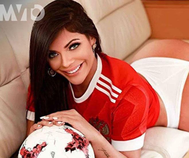 """Hoa hậu siêu vòng 3 Brazil lại """"cởi đồ"""" để thổ lộ tình yêu với Messi - 9"""