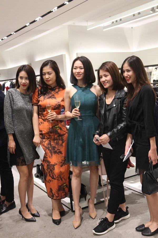Quyết không kém cạnh H&M, tiệc khai trương Zara Hà Nội ngập sao và tín đồ - 7