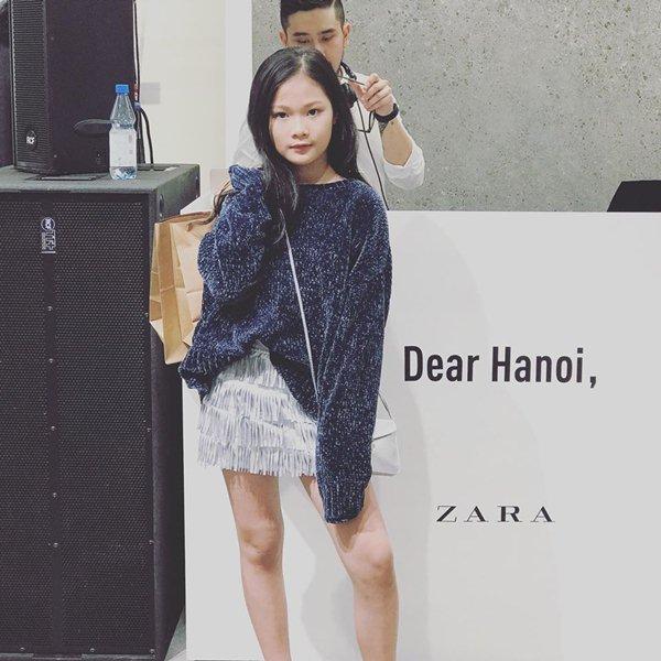 """Khách thử đồ """"lộ thiên"""", chen chúc ngày đầu Zara Hà Nội mở cửa - 9"""