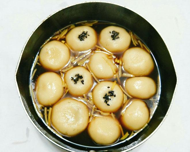 Cách làm bánh trôi tàu nóng hổi, dẻo thơm ấm bụng ngày mưa lạnh - 10