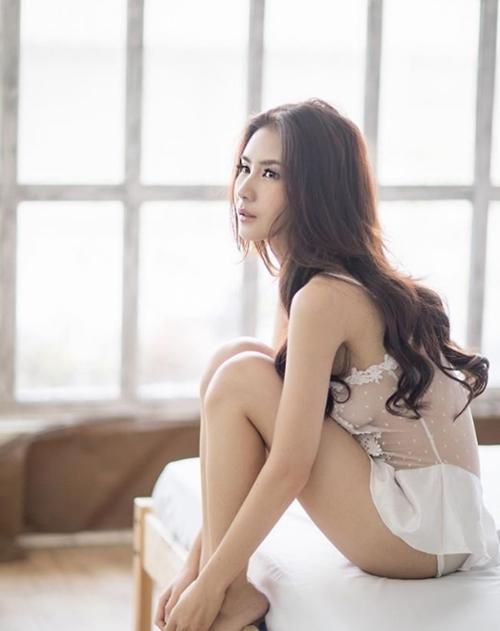 """Mỹ nữ Thái chuyên mặc đồ mỏng, hở bất chấp hoàn cảnh khiến bao anh """"xót xa"""" - 2"""