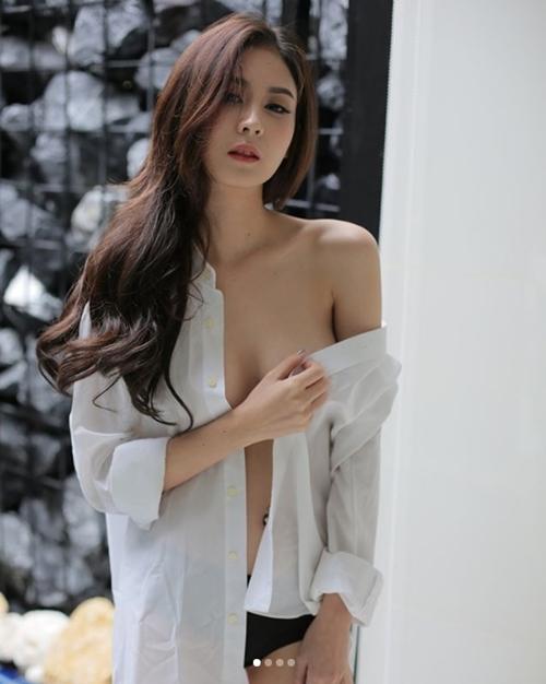 """Mỹ nữ Thái chuyên mặc đồ mỏng, hở bất chấp hoàn cảnh khiến bao anh """"xót xa"""" - 8"""