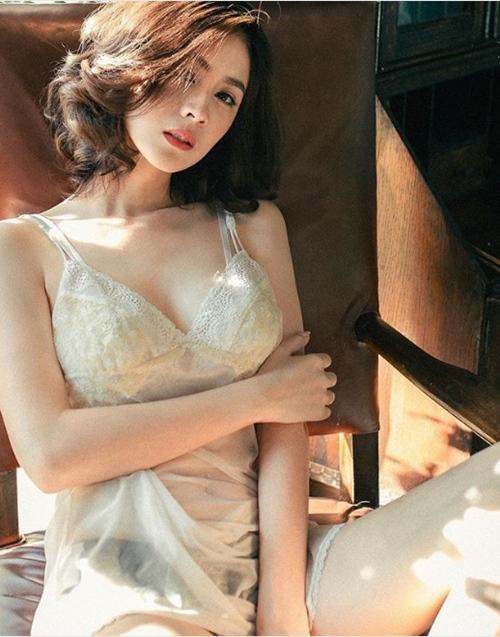 """Mỹ nữ Thái chuyên mặc đồ mỏng, hở bất chấp hoàn cảnh khiến bao anh """"xót xa"""" - 10"""